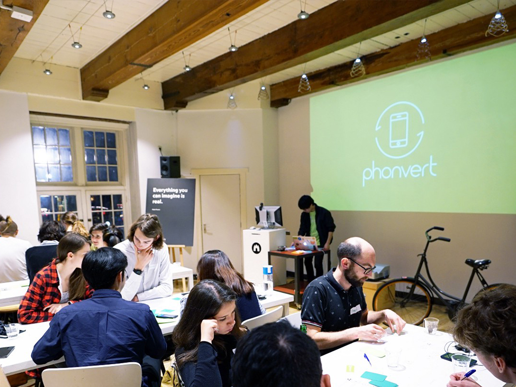 Phonvert workshop Waag Tomo Kihara