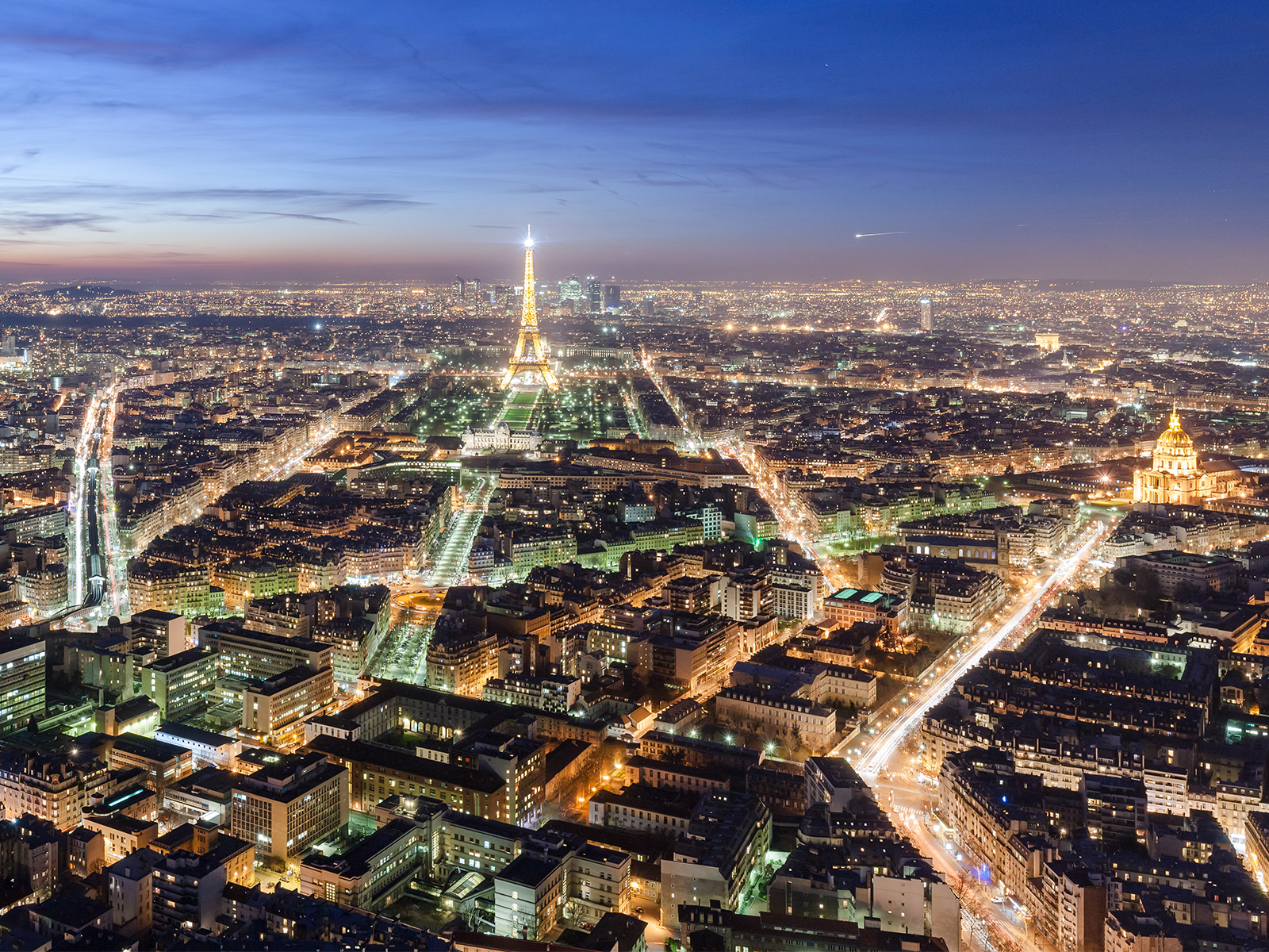 View over Paris, at dusk, from the Maine-Montparnasse tower