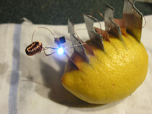Fabschool lemon slafhlight